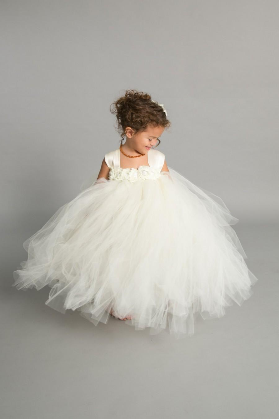 Flower girl dresses flower girl trends wedding flower for Little flower girl wedding dresses