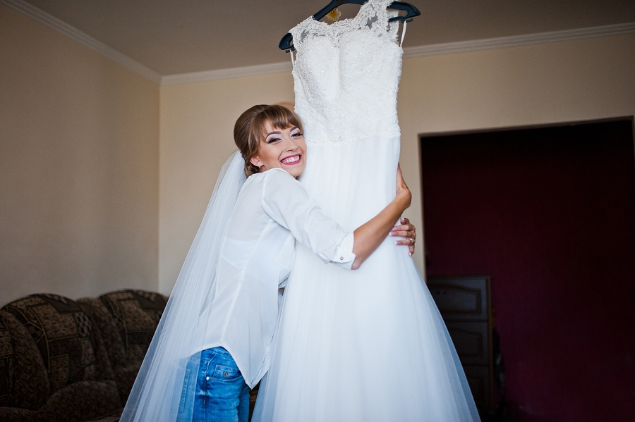 Tips For Storing Your Wedding Dress Before and After Your Wedding